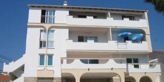 Clair Apartmenthaus Novalja