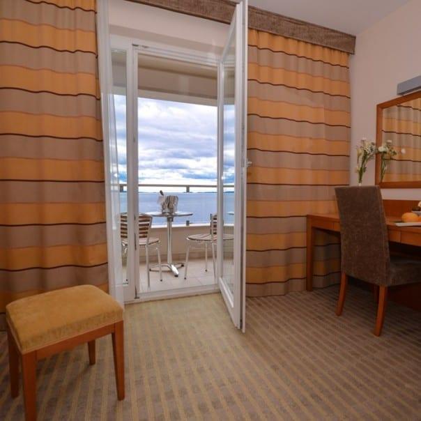 Doppelzimmer mit Meerblick - Hotel Luna - Novalja