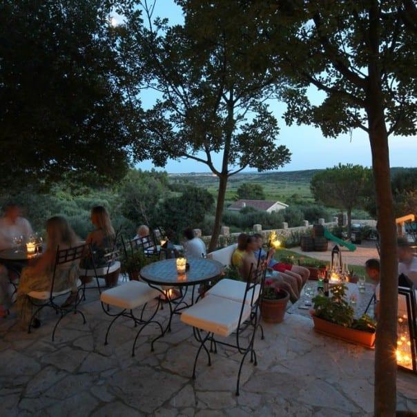 zrce vida mediterraner Abend im Weingut Boskinac Location Holzofen
