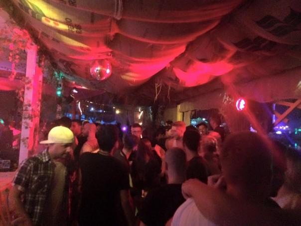 Backstage Beach Bar Zrce Party