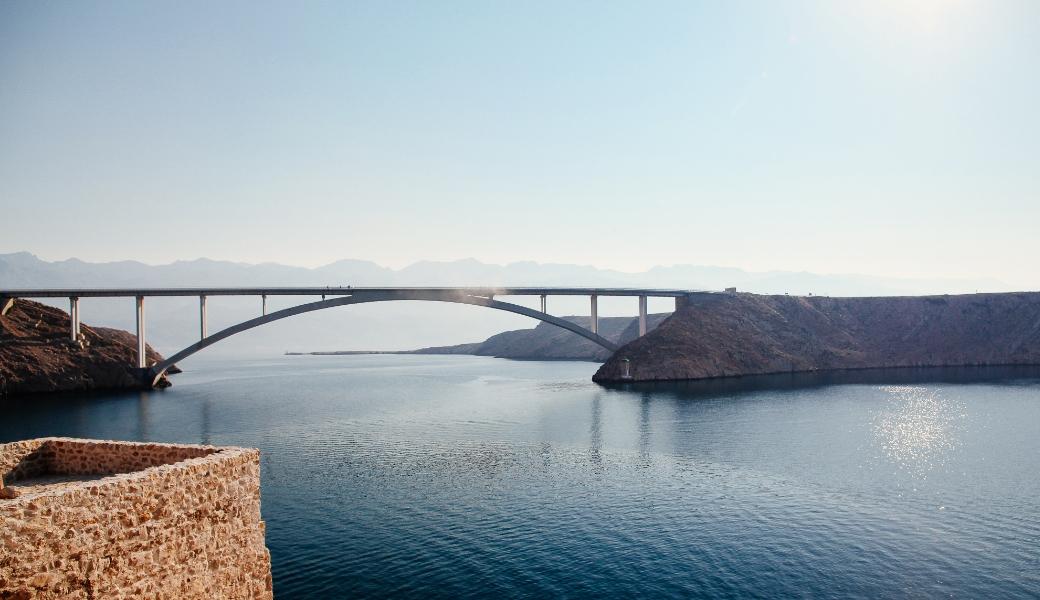 Zrce Anreise Brücke auf die Insel Pag